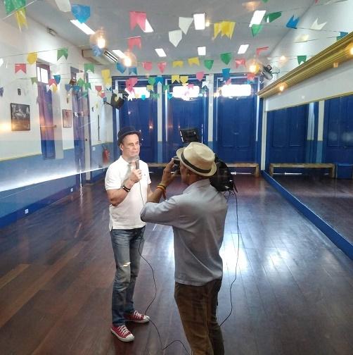 """Carlinhos de Jesus: """"Wilson Witzel, obrigado por apoiar o Carnaval na Sapucaí!"""", em entrevista ao Tribuna na TV"""