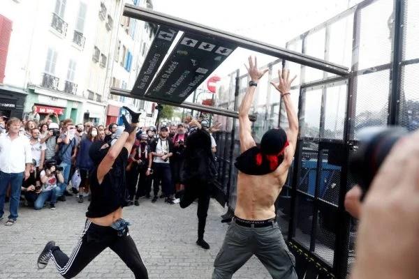Polícia francesa usa gás lacrimogêneo contra manifestantes anti-G7