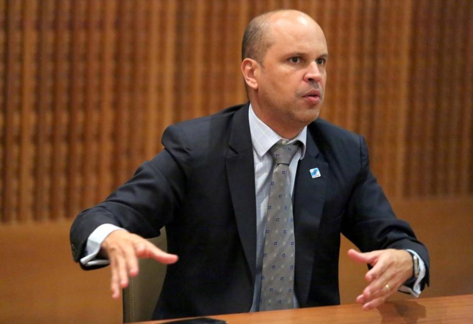 Governo Witzel já reduziu custos em R$ 500 milhões e afastou quase 20 mil funcionários