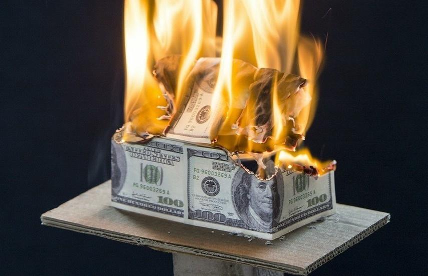 Movimento dos EUA para usar sua moeda como arma está destruindo o dólar no comércio internacional, diz Putin