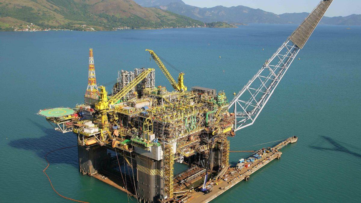 Produção de petróleo bate recorde e pré-sal se aproxima de 2 milhões de barris/dia