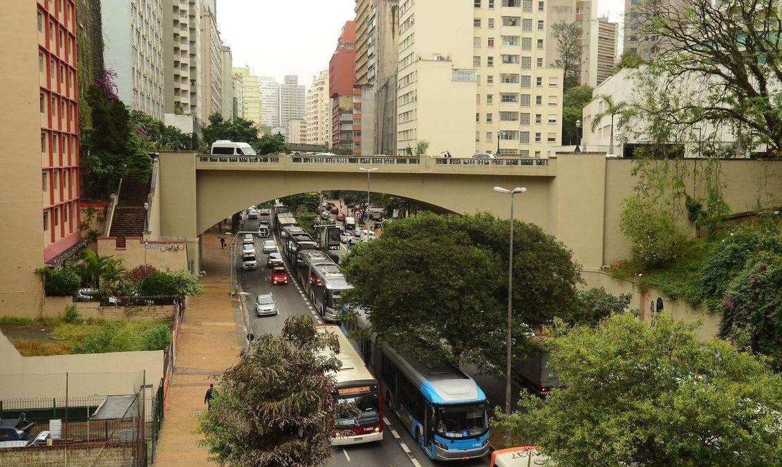 Greve de motoristas afeta circulação de ônibus em São Paulo