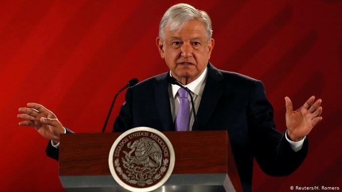 Presidente mexicano critica reforma energética do antecessor