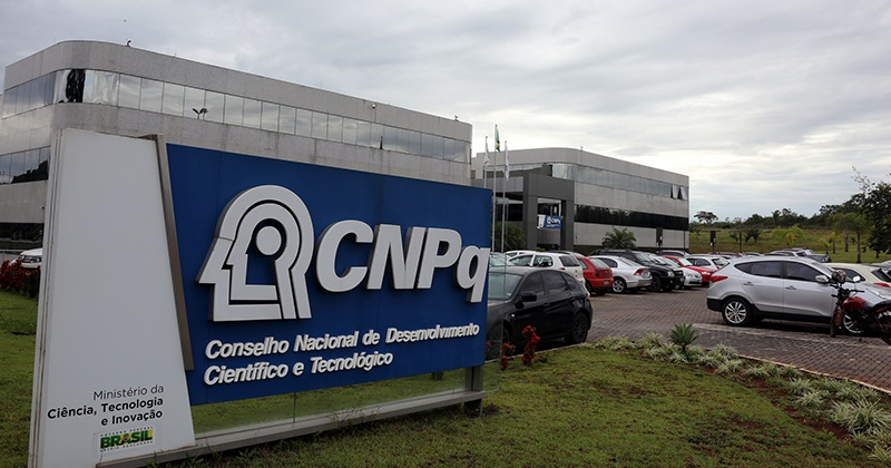 Câmara quer R$ 250 milhões da Lava Jato para bolsas de pesquisa do CNPq
