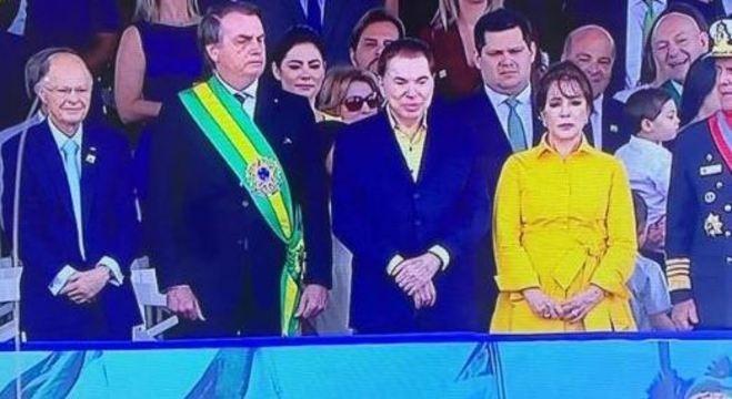 Em discurso patriótico, Bolsonaro critica seus antecessores e ataca Macron de novo