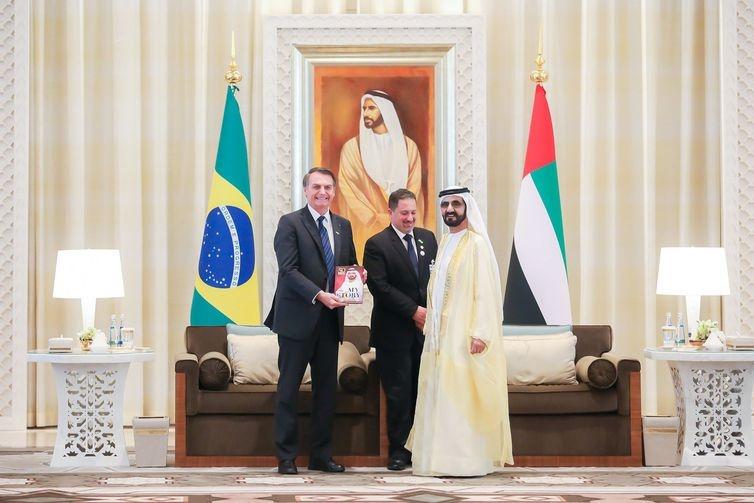 Bolsonaro se reúne com empresários e autoridades dos Emirados Árabes