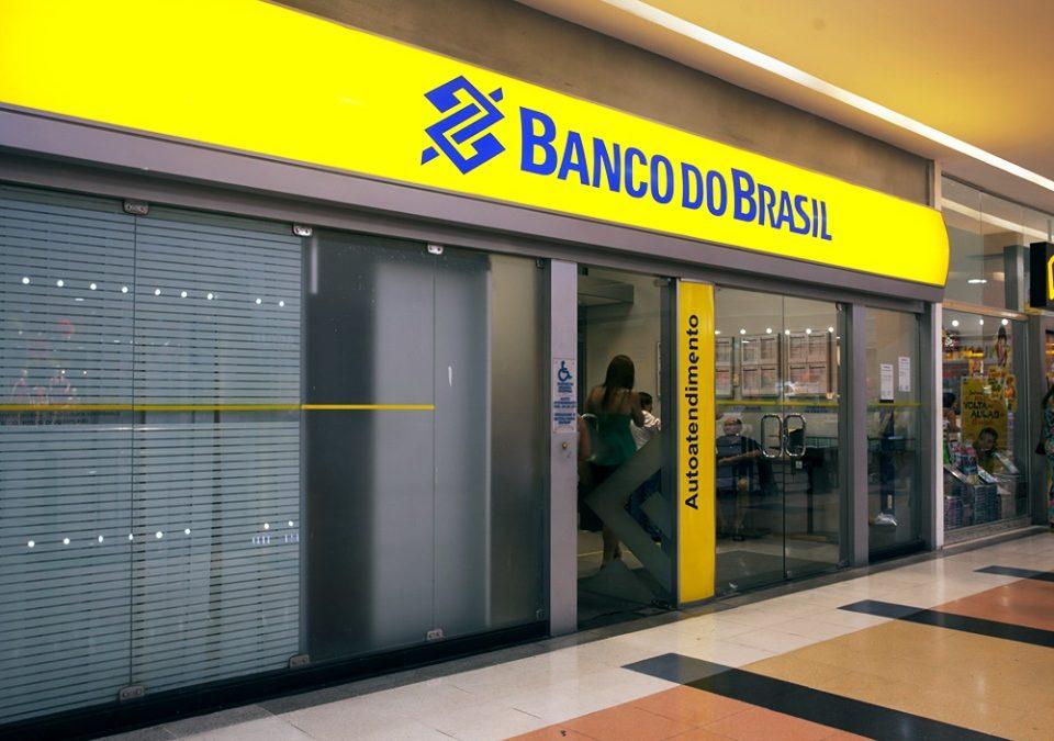 Demora de banco em reabrir atendimento após assalto não gera dano