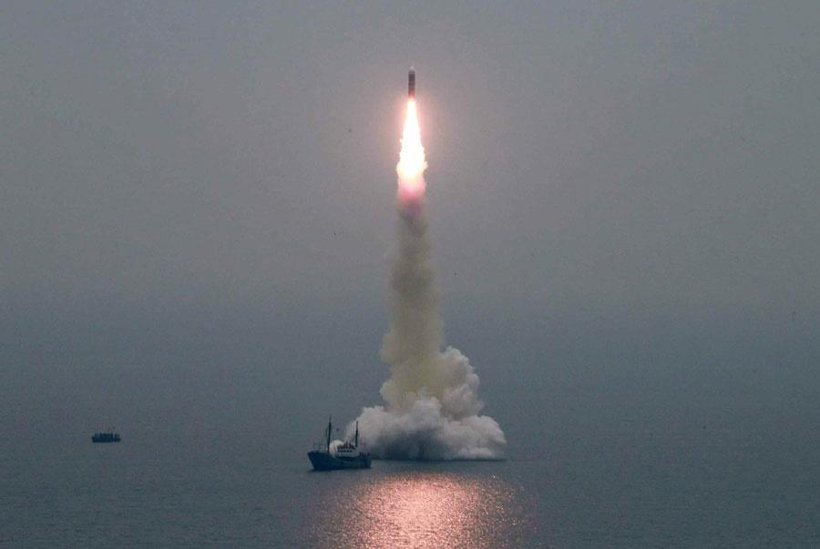 Coreia do Norte testa novo míssil balístico submarino