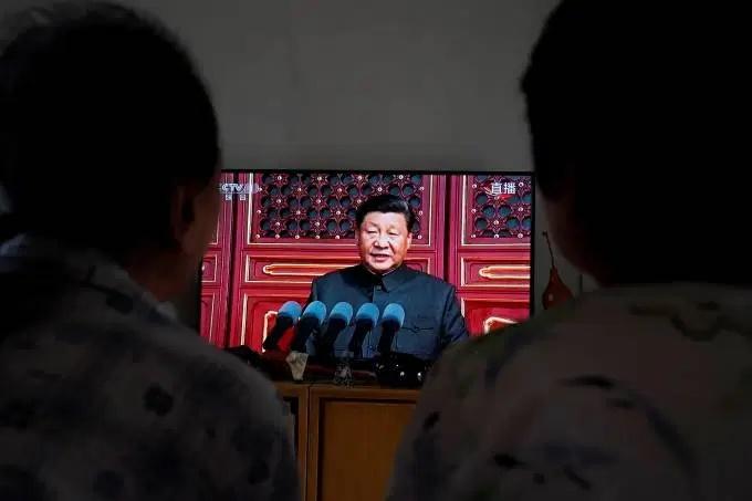 'Nada pode nos abalar', diz Xi na festa dos 70 anos da China Comunista