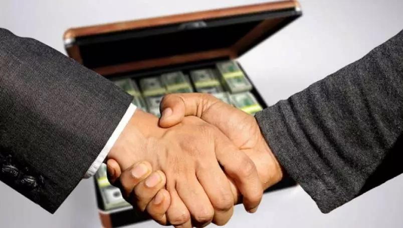 Generosas doações de empresários engordam as receitas de legendas