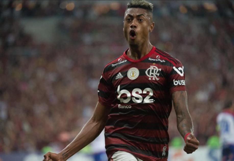 Aos gritos de 'É campeão!', Flamengo vira sobre o Bahia e abre 10 pontos na liderança do Brasileiro