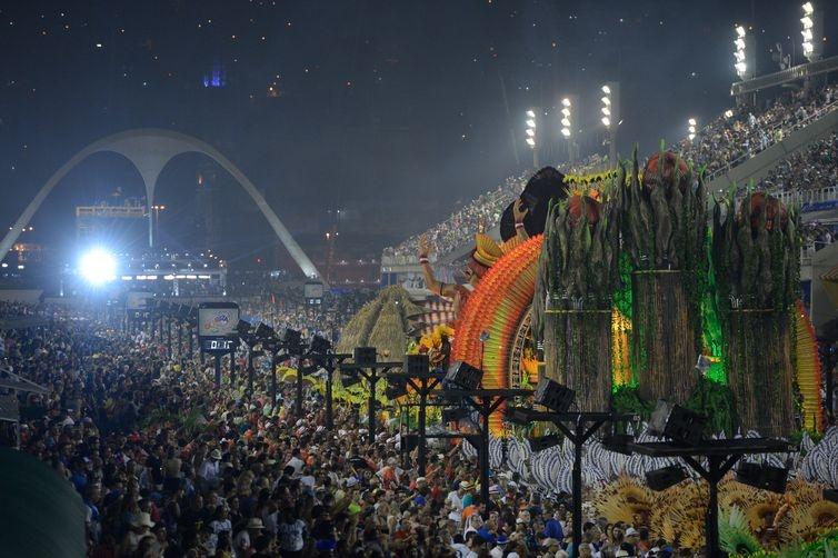 Crivella e ministro do Turismo unem-se para melhorar carnaval do Rio