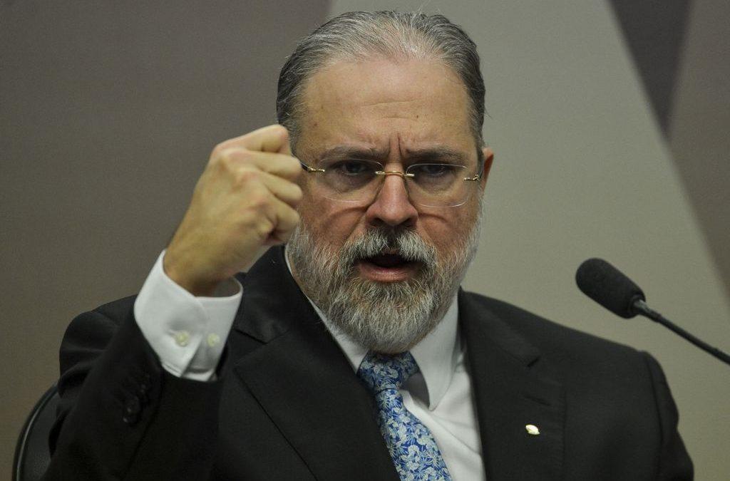 Constituição não admite intervenção militar, diz Augusto Aras