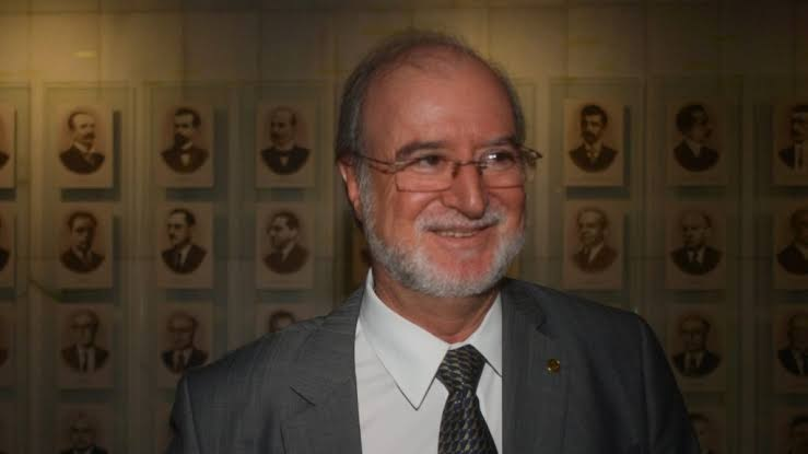 Em Minas, o ex-governador Eduardo Azeredo também já está em liberdade