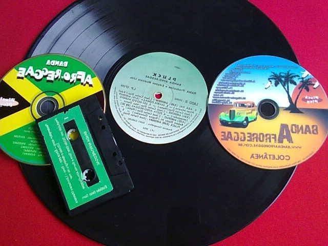 Música K-Pop está provocando o retorno dos CDs, LPs e fitas cassetes