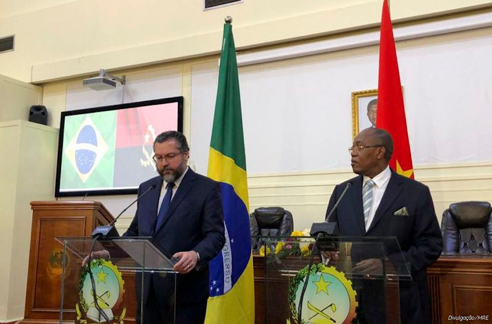 Chanceleres do Brasil e de Angola assinam acordo de segurança