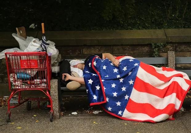 Moradores de rua podem dormir em calçadas, decide Suprema Corte dos EUA