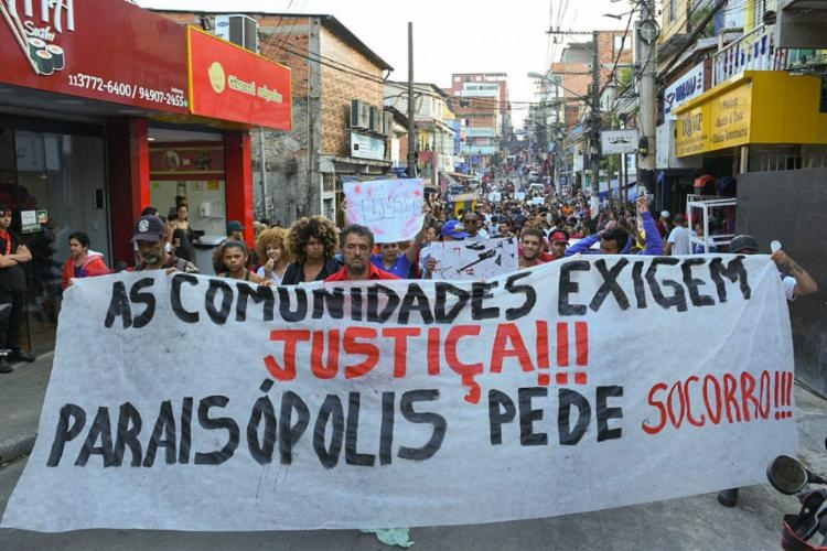 Mortos em Paraisópolis têm traumas compatíveis com pisoteamento