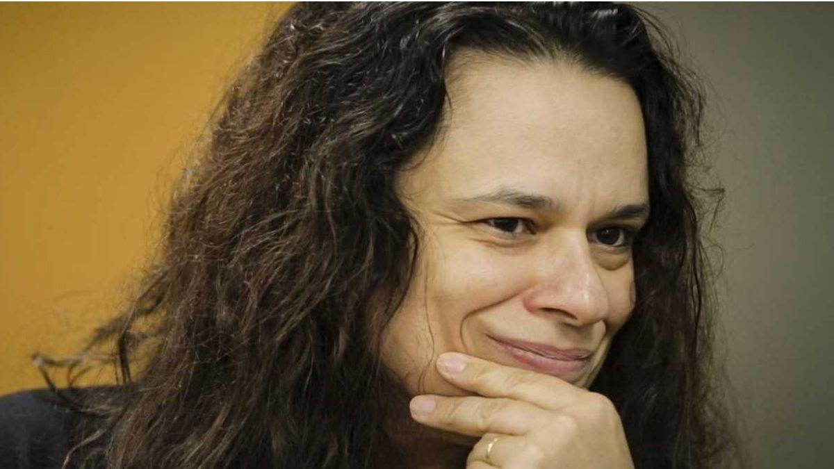 """""""Bolsonaro gera tanto conflito que pode perder a mão"""", diz Janaina Paschoal"""