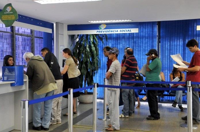 Ministério da Economia reajusta benefícios do INSS em 4,48% em 2020