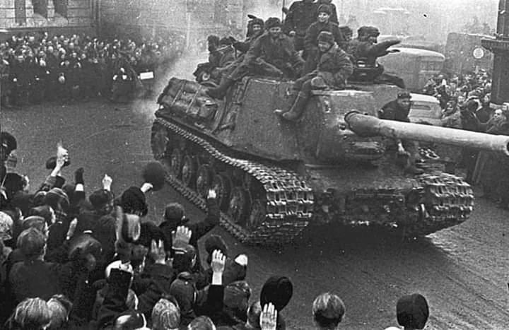 Há 75 anos, ocorria a libertação de Varsóvia pelo Exército Vermelho
