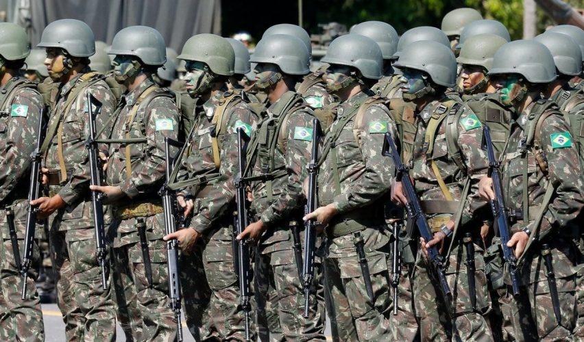 """Governo não abre """"caixa preta"""" do pagamento de pensões a filhas herdeiras de militares"""