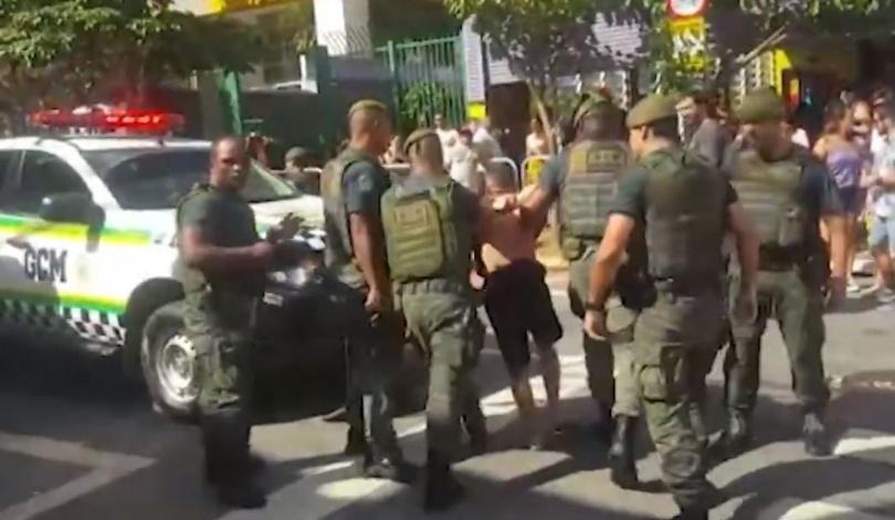 Pré-carnaval em SP tem cinco baleados e 413 pessoas detidas