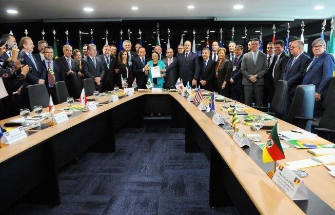 Em carta, governadores pedem diálogo e convidam Bolsonaro para reunião