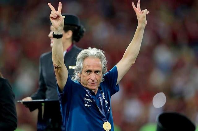JJ tem mais títulos que derrotas pelo Flamengo