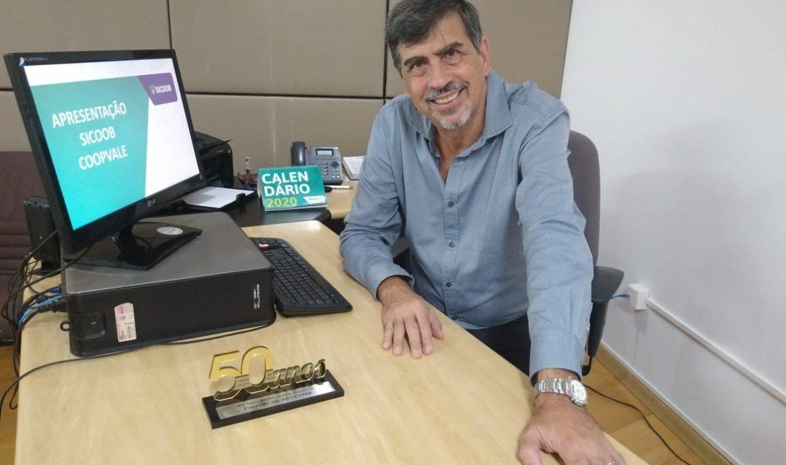 Taxas baixas e participação nos resultados, cooperativas de crédito crescem; Entrevista com Angelo Galatoli, Presidente do SICOOB Coopvale [VÍDEO]