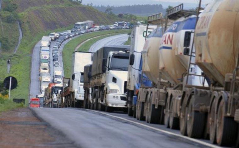 Caminhoneiros promovem caravana por soberania e preços justos para combustíveis