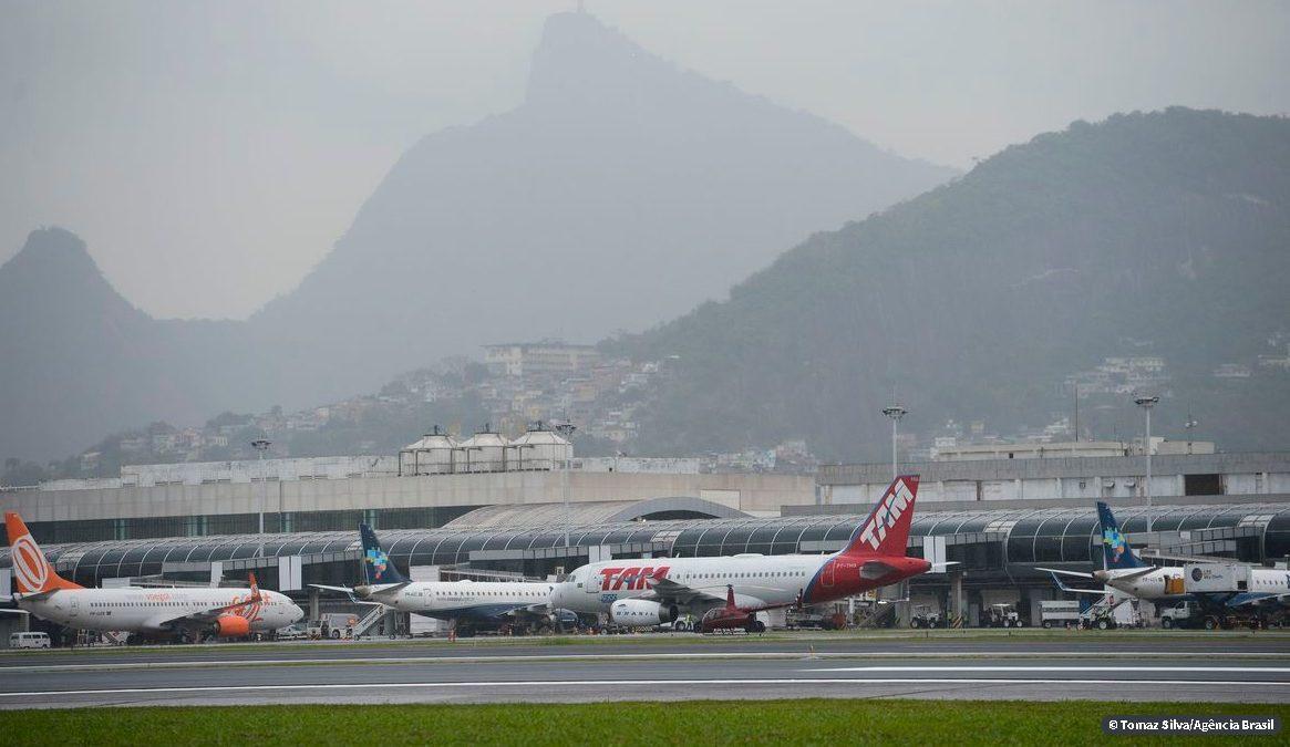 Covid-19: medidas de socorro ao setor aéreo saem nos próximos dias