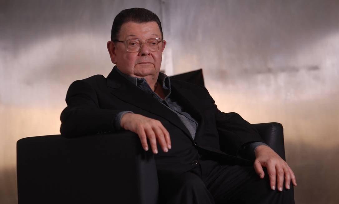 Delfim afirma que Guedes não tem prioridade e Bolsonaro não tem humildade