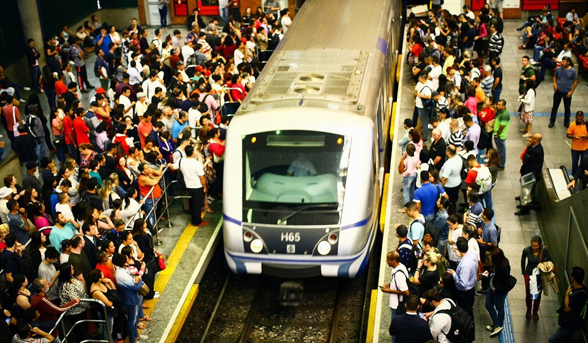 Metroviários de SP em grupo de risco são liberados de funções presenciais
