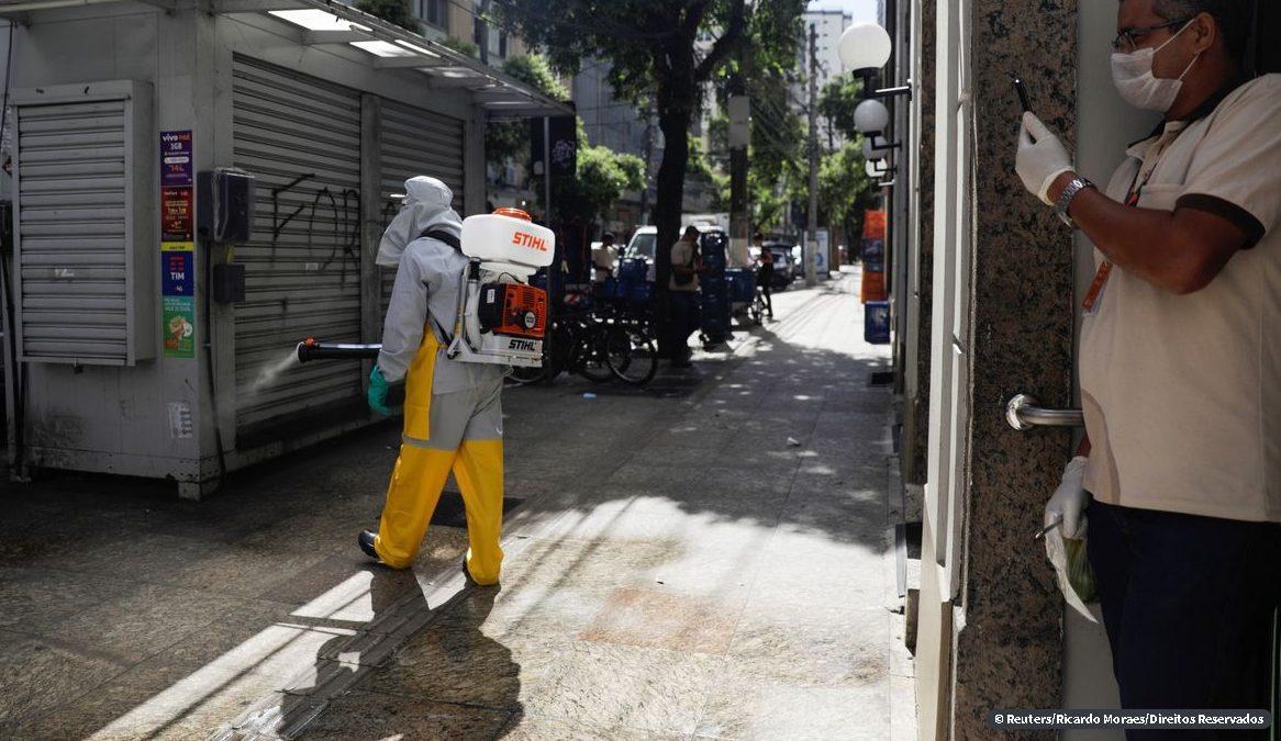 Niterói usa produto da China para desinfecção de ruas da cidade