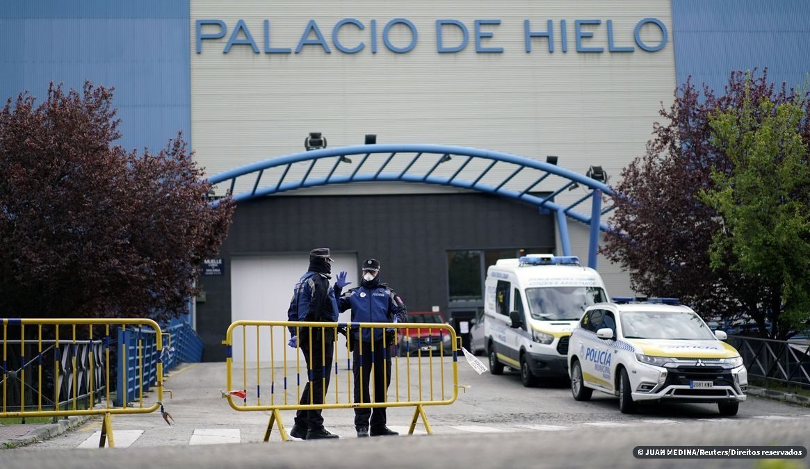 Disparada de casos de coronavírus testa sistema de saúde da Espanha