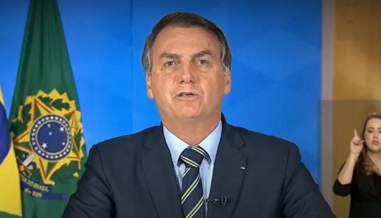Em meio à pandemia, Bolsonaro quer crianças de volta à escola