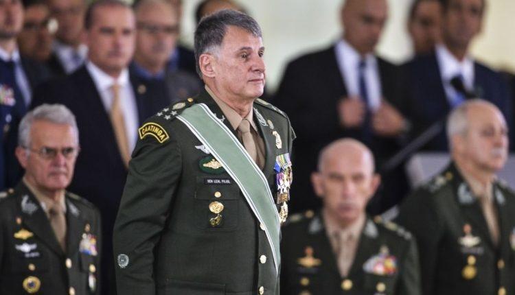 """Comandante do Exército: pandemia pode ser """"missão mais importante da nossa geração"""""""