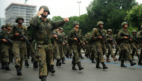 Forças Armadas reafirmam compromisso com a democracia e contra golpe