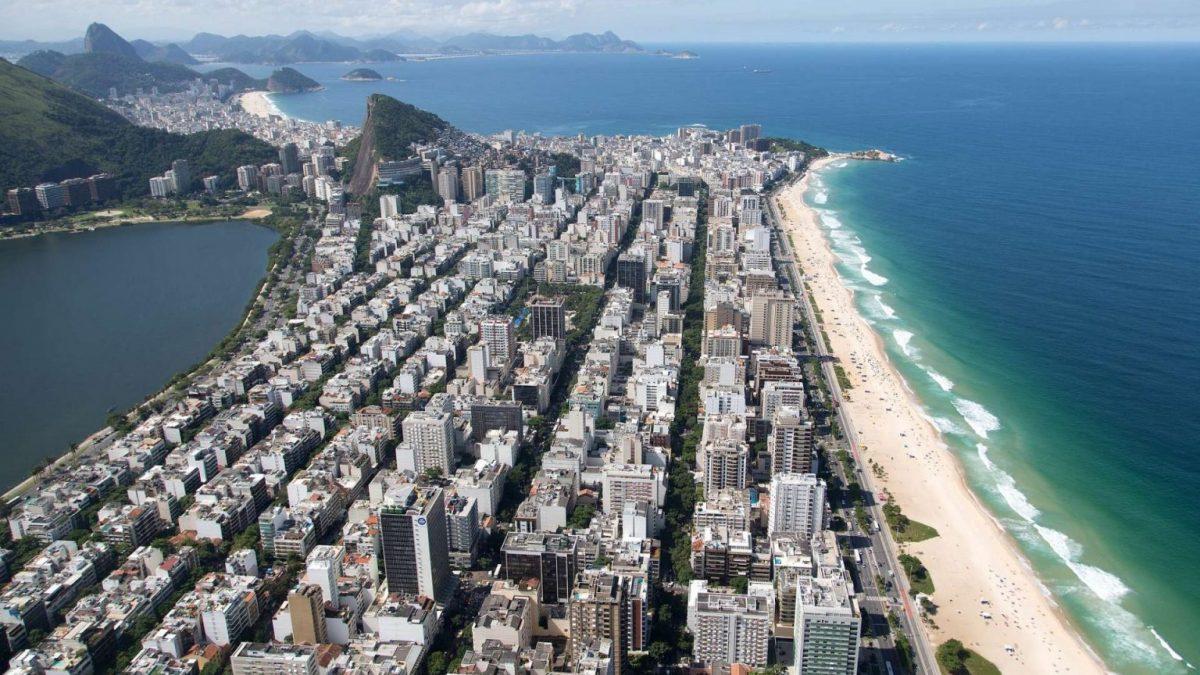 Crivella libera comércio de rua e salões de beleza no Rio