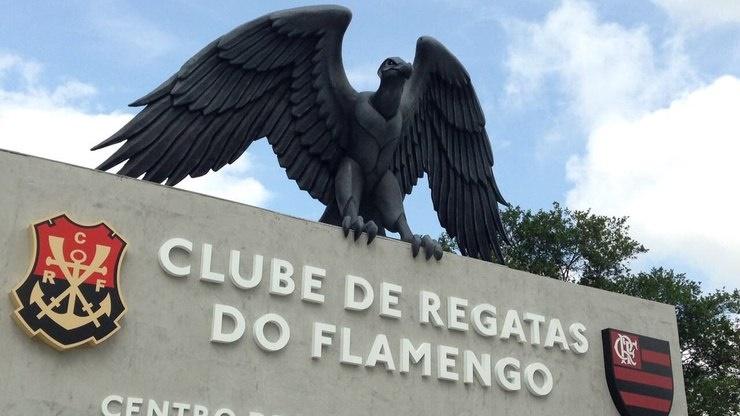 Flamengo deve voltar aos treinos no fim de abril