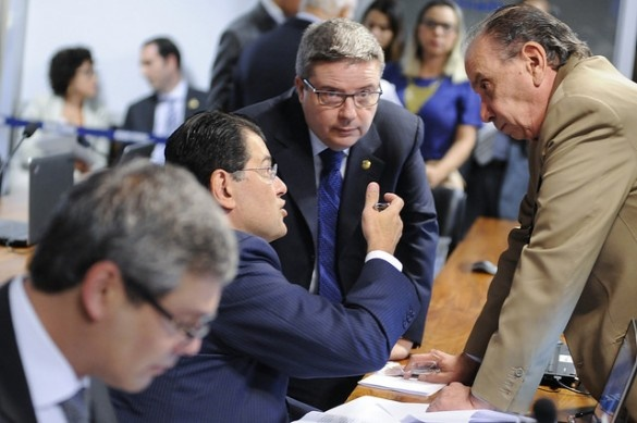 Anastasia ajusta orçamento de guerra para limitar aumento de poder do BC