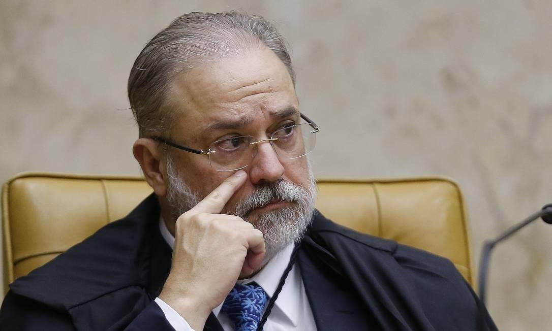 """Procuradores reagem à blindagem de Aras ao governo Bolsonaro : """"Grave ofensa à independência funcional"""""""