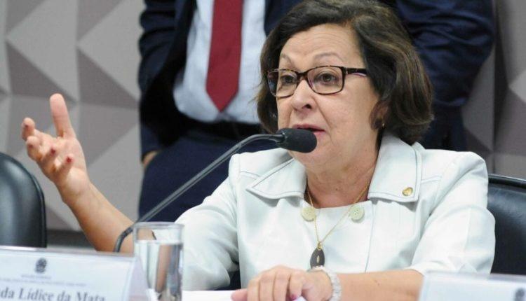 Bolsonaro age em conjunto com o gabinete do ódio, diz relatora da CPI das Fake News