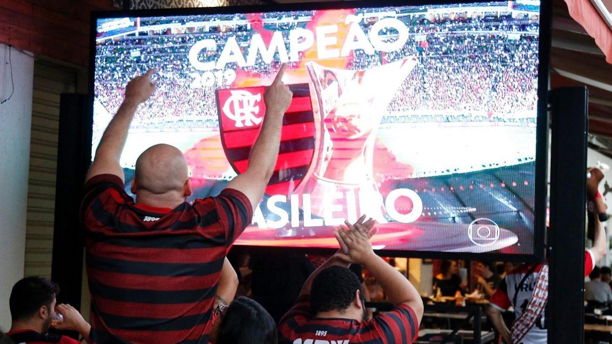 Globo revolta clubes indicando desconto no pagamento de transmissões