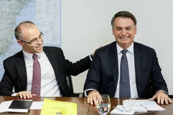 OPINIÃO – Pastor, novo ministro da Justiça é forte candidato ao STF