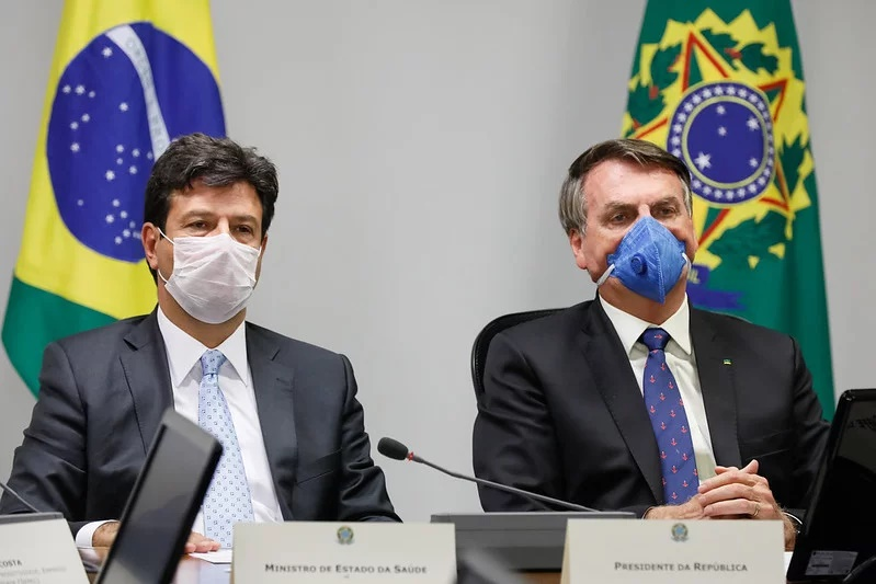 Bolsonaro vira motivo de chacota da mídia mundial por negar o coronavírus