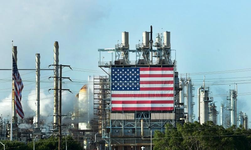 Sem saber como, Trump diz que vai aumentar capacidade de armazenamento de petróleo nos EUA