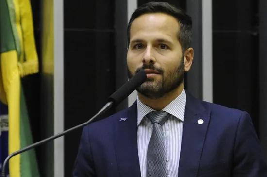 """Ex-ministro da Cultura critica nomeação de Bolsonaro para presidir o Iphan: """"É inacreditável"""""""