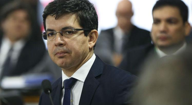 Senador Randolfe vai pedir a cassação de Flávio Bolsonaro